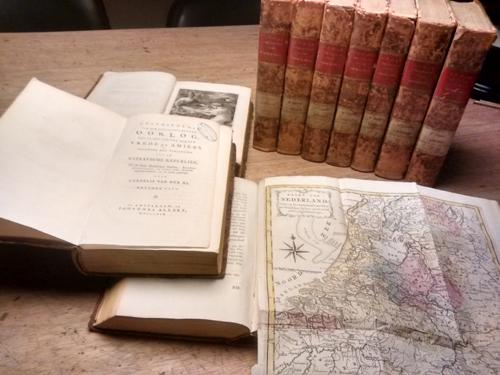 Aa, Cornelis van der - Geschiedenis van den jongst-geeindigden oorlog, tot op het sluiten van den vrede te Amiens bijzonder met betrekking tot de Bataafsche Republiek - 10 delen (compleet)